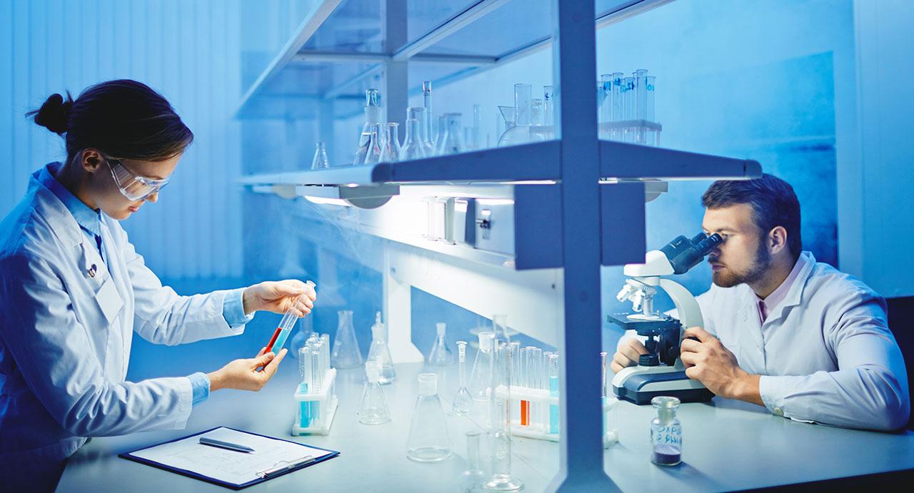 scientists-laboratory-drug-abuse